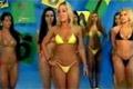 Catfight mellan bikinimodeller